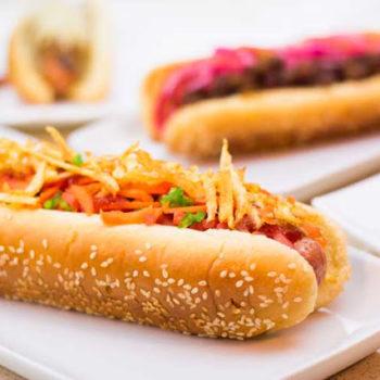 хот-дог - 180тг булочка, сосиска, кетчуп, майонез, салат